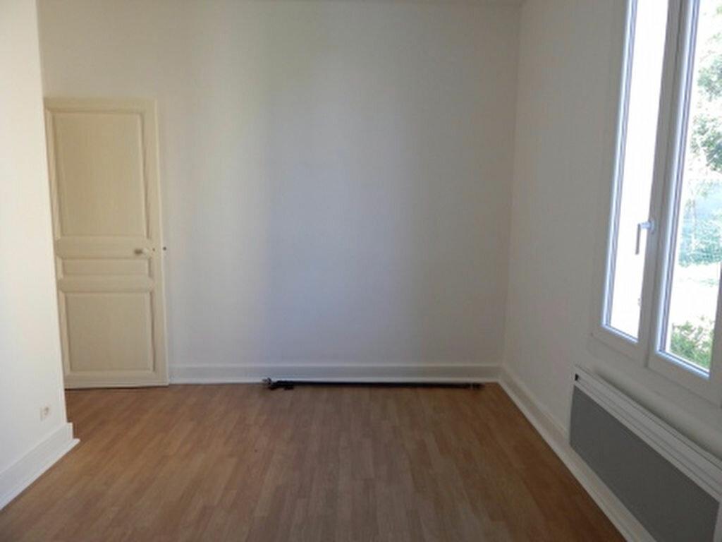 Appartement à louer 3 92.92m2 à Salon-de-Provence vignette-4