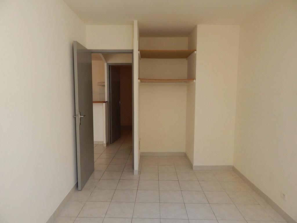 Appartement à louer 2 43.83m2 à Alleins vignette-3