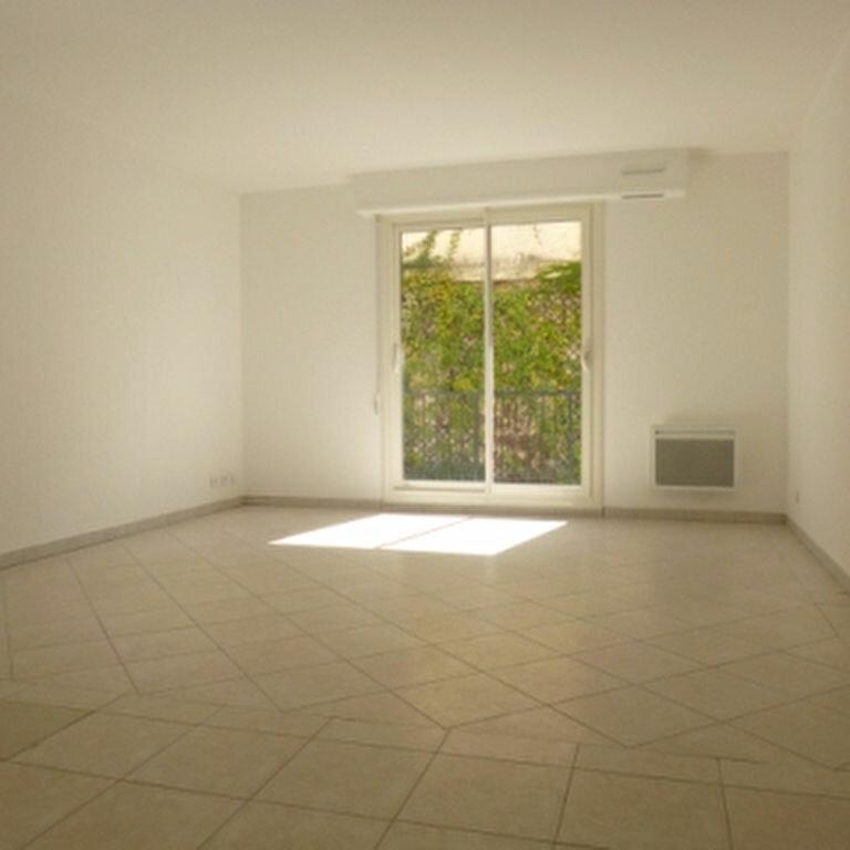 Appartement à louer 2 47.87m2 à Salon-de-Provence vignette-3