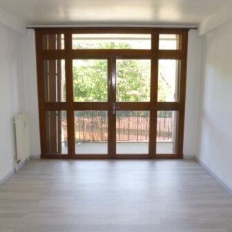 Appartement à louer 2 47.3m2 à Salon-de-Provence vignette-1