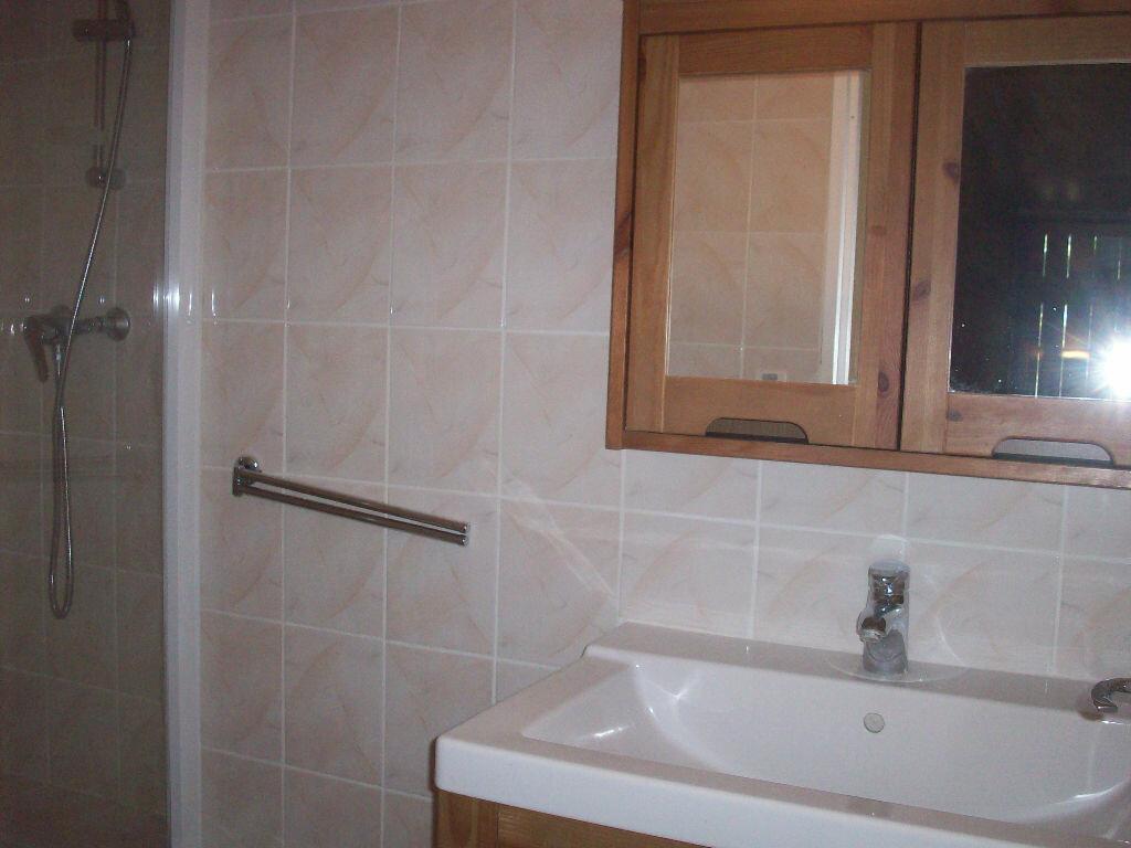 Appartement à louer 2 47.3m2 à Salon-de-Provence vignette-7