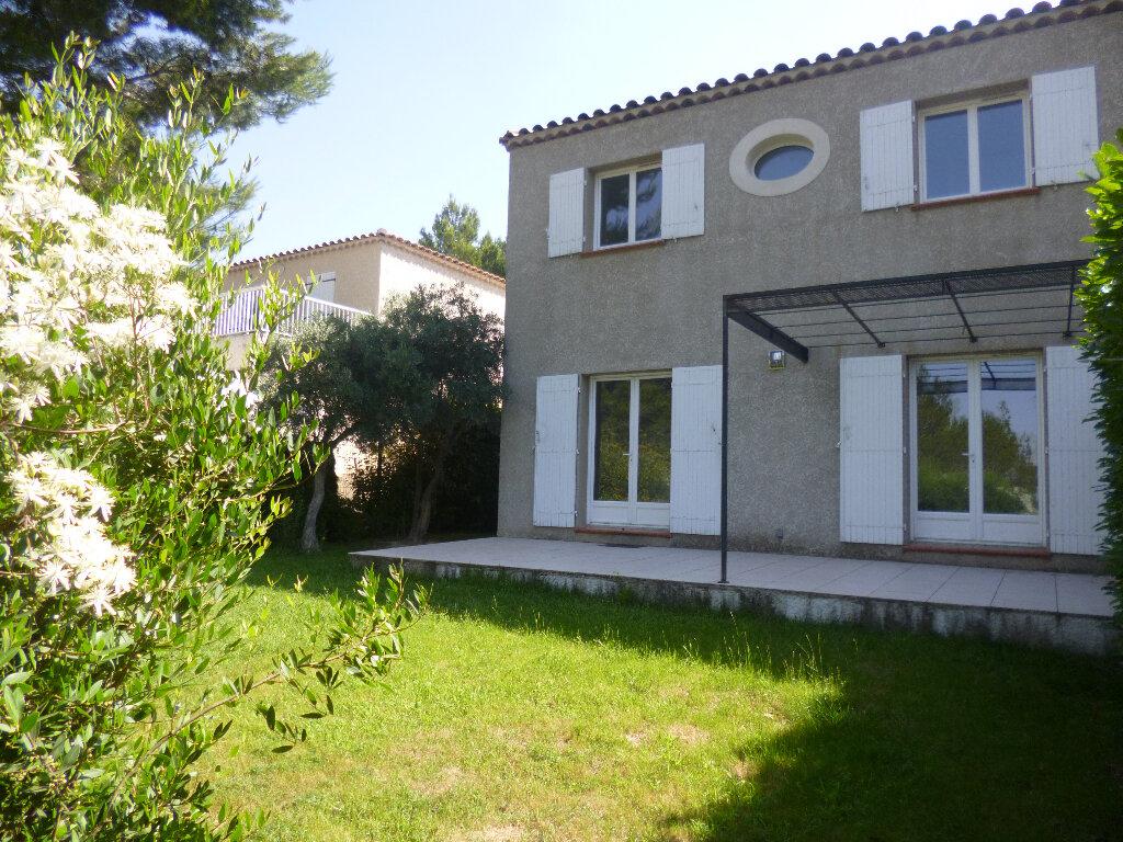 Maison à louer 4 101.03m2 à Saint-Chamas vignette-1