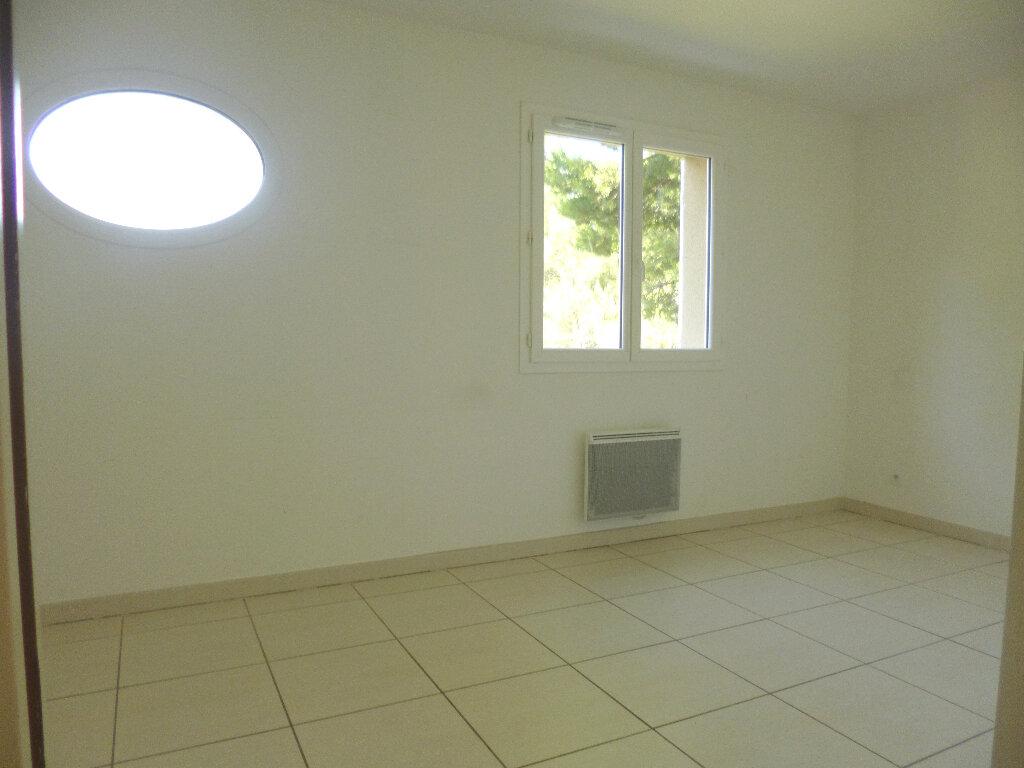 Maison à louer 4 101.03m2 à Saint-Chamas vignette-7