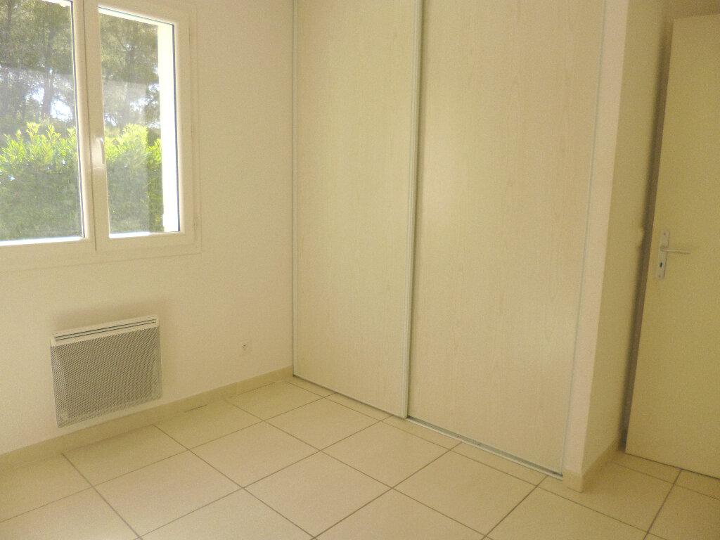 Maison à louer 4 101.03m2 à Saint-Chamas vignette-11