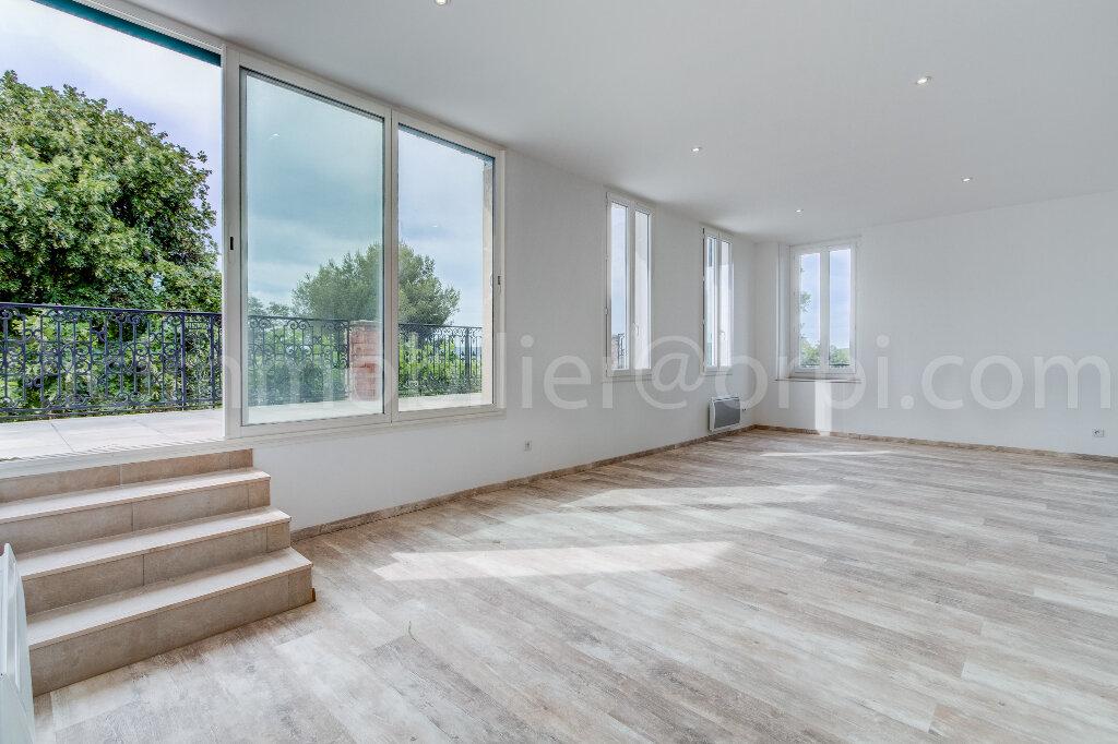 Appartement à louer 4 88m2 à Saint-Chamas vignette-1