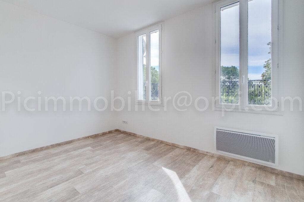 Appartement à louer 4 88m2 à Saint-Chamas vignette-8