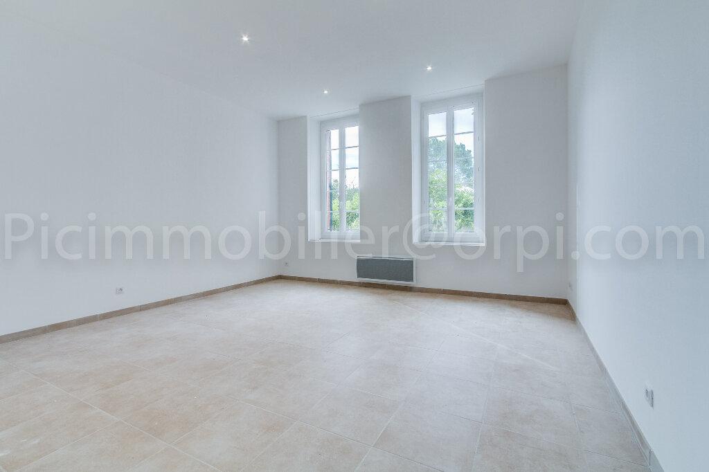 Appartement à louer 3 65.2m2 à Saint-Chamas vignette-6