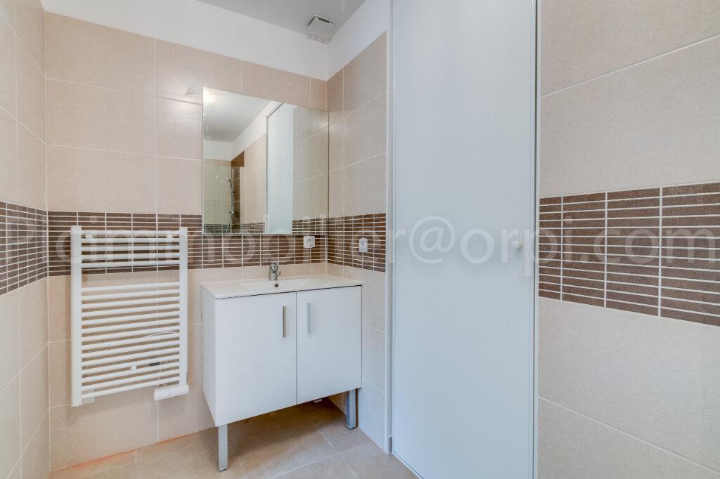 Appartement à louer 2 50.9m2 à Saint-Chamas vignette-6