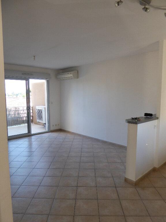Appartement à louer 2 44.39m2 à Salon-de-Provence vignette-1