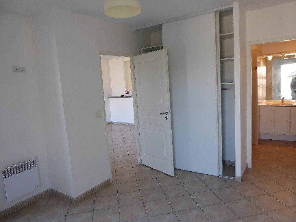 Appartement à louer 2 44.39m2 à Salon-de-Provence vignette-12