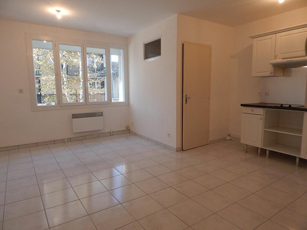 Appartement à louer 1 24.3m2 à Miramas vignette-2