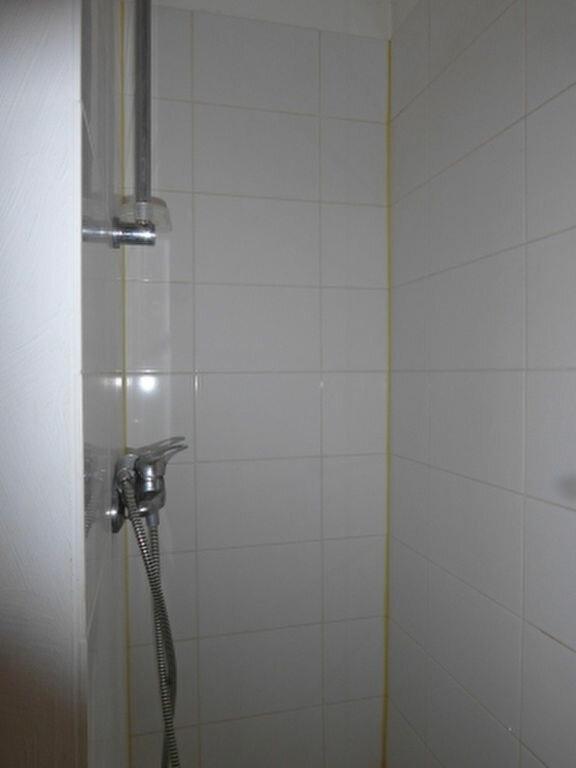 Appartement à louer 1 24.3m2 à Miramas vignette-7