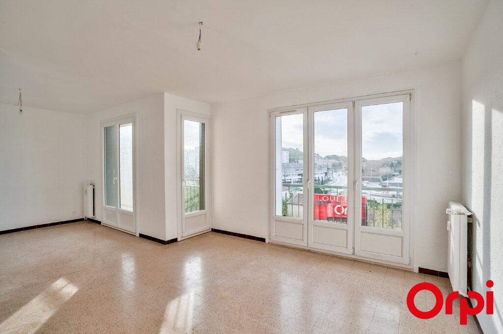 Appartement à louer 3 67m2 à Salon-de-Provence vignette-1