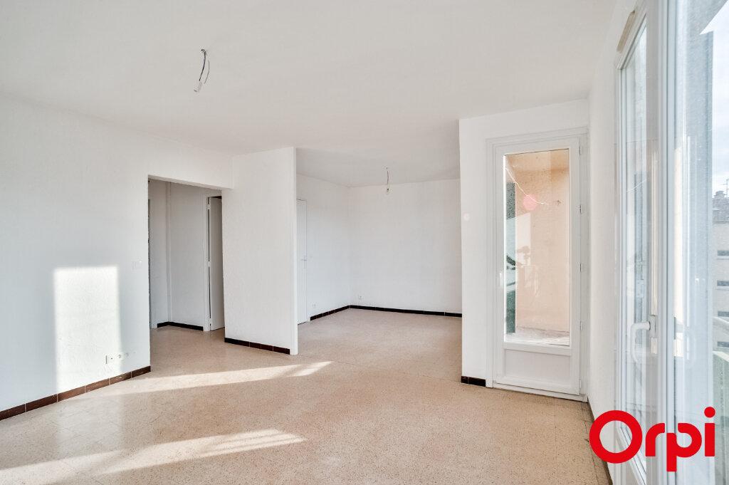 Appartement à louer 3 67m2 à Salon-de-Provence vignette-5