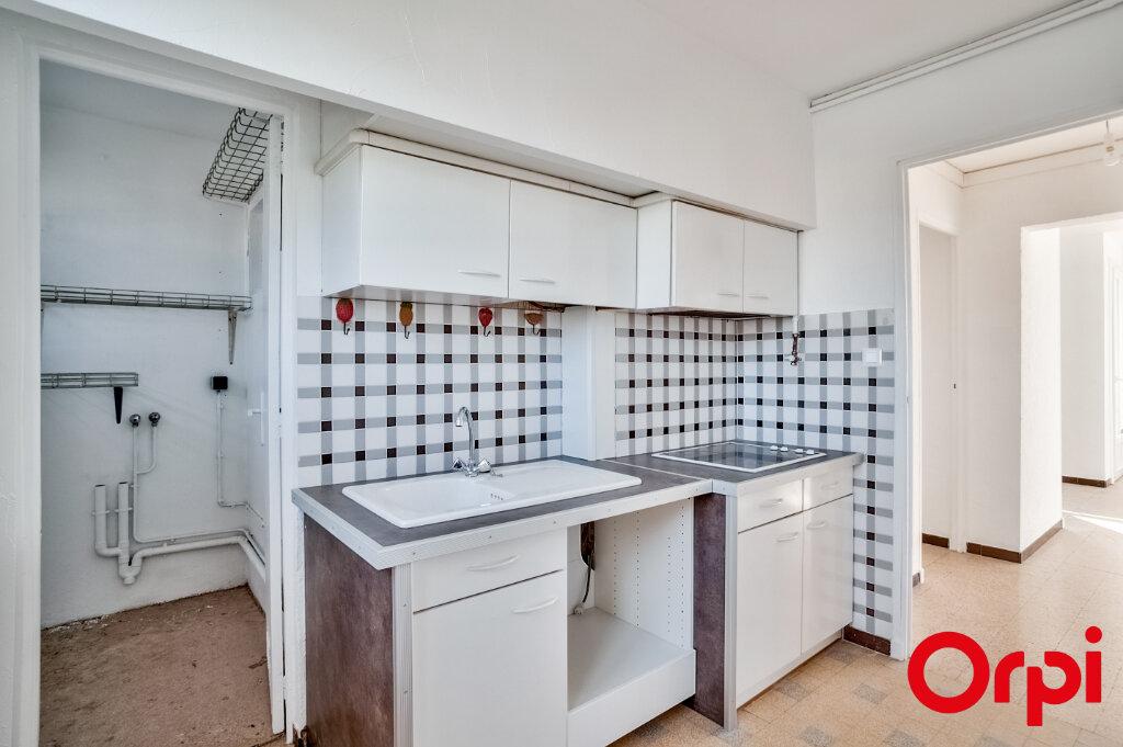 Appartement à louer 3 67m2 à Salon-de-Provence vignette-7