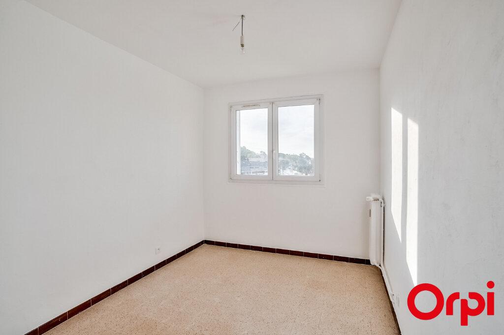 Appartement à louer 3 67m2 à Salon-de-Provence vignette-8