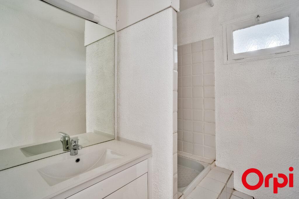 Appartement à louer 3 67m2 à Salon-de-Provence vignette-12