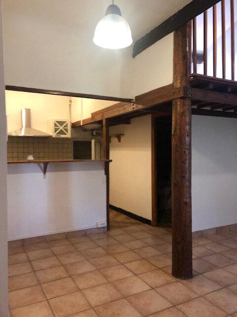 Appartement à louer 1 30.25m2 à Salon-de-Provence vignette-1