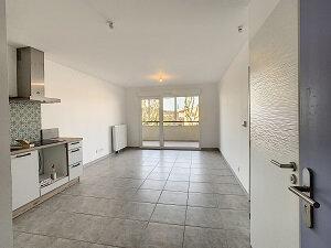 Appartement à louer 2 42m2 à Salon-de-Provence vignette-2