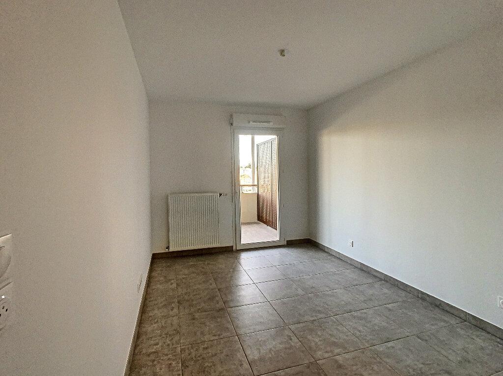 Appartement à louer 2 42m2 à Salon-de-Provence vignette-5