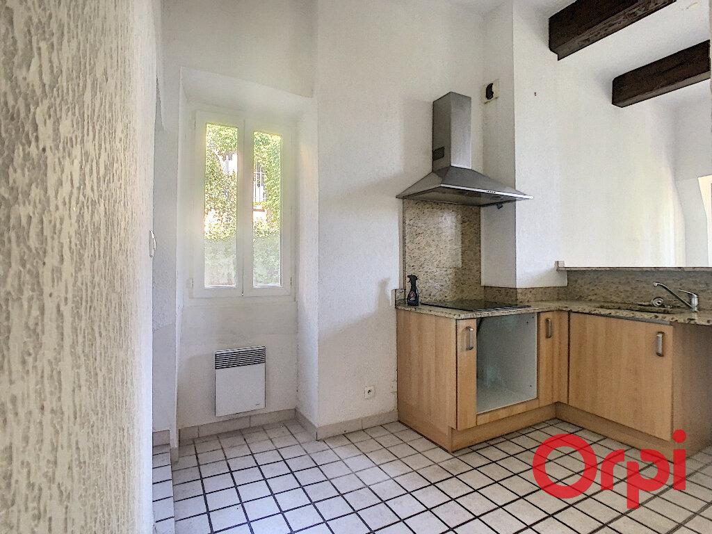 Appartement à louer 3 65.33m2 à La Fare-les-Oliviers vignette-5