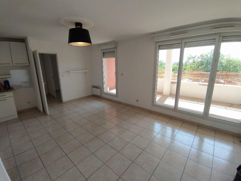 Appartement à louer 2 39.1m2 à Istres vignette-1