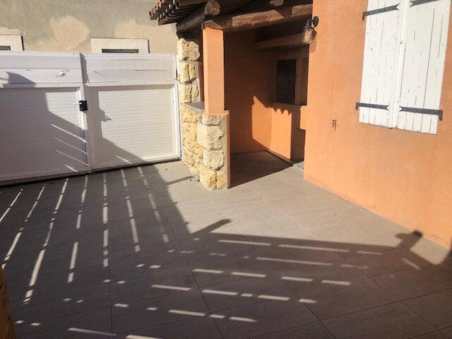 Appartement à louer 2 28.18m2 à Istres vignette-3