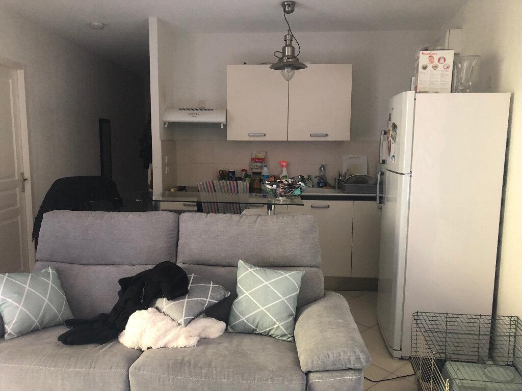 Appartement à louer 2 37.1m2 à Saint-Chamas vignette-5