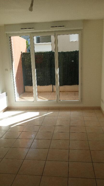 Appartement à louer 2 31.44m2 à Istres vignette-3