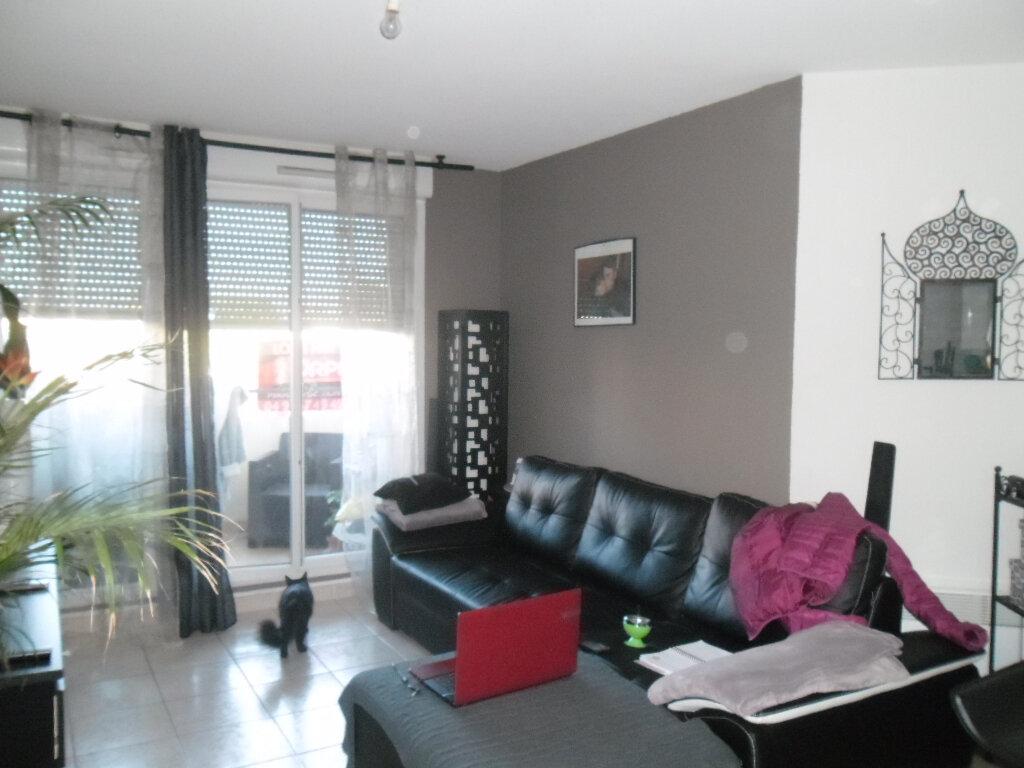 Appartement à louer 2 38.53m2 à Istres vignette-2
