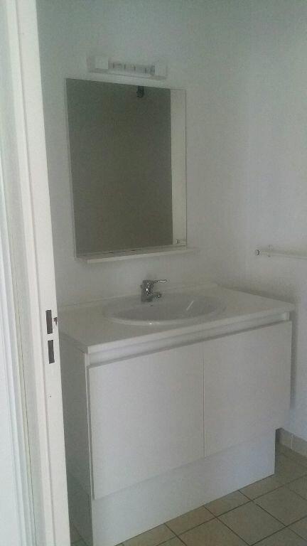 Appartement à louer 2 38.53m2 à Istres vignette-8