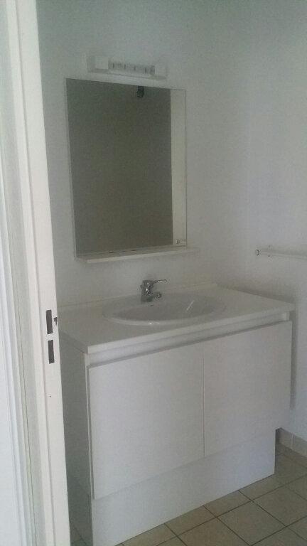 Appartement à louer 2 38.53m2 à Istres vignette-9
