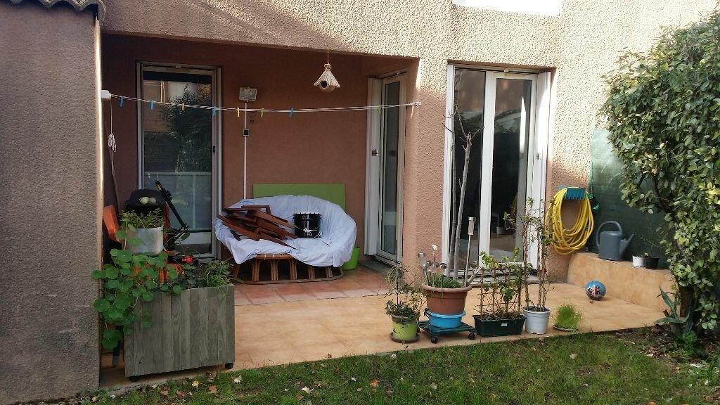 Appartement à louer 3 62.1m2 à Istres vignette-1