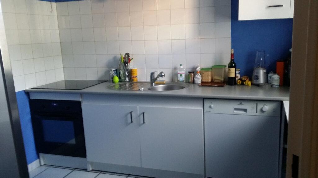 Appartement à louer 3 62.1m2 à Istres vignette-4