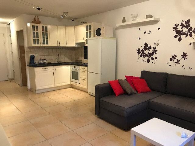 Appartement à louer 2 56.57m2 à Saint-Martin-de-Crau vignette-1