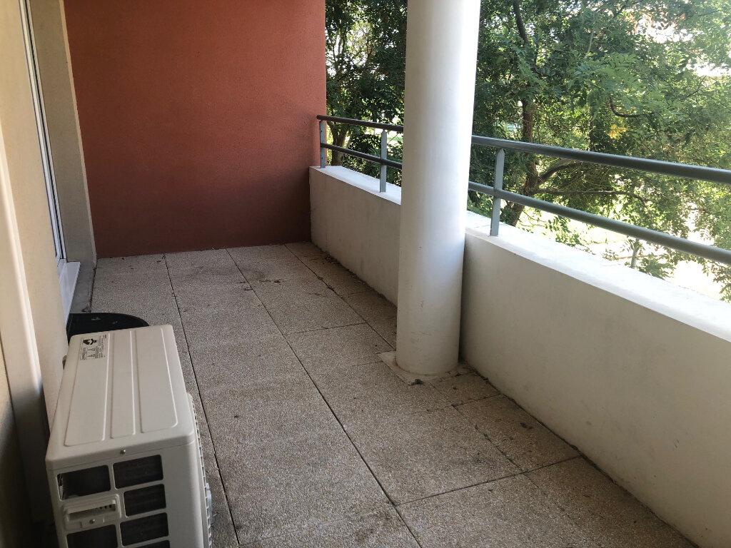Appartement à louer 2 38.76m2 à Istres vignette-1