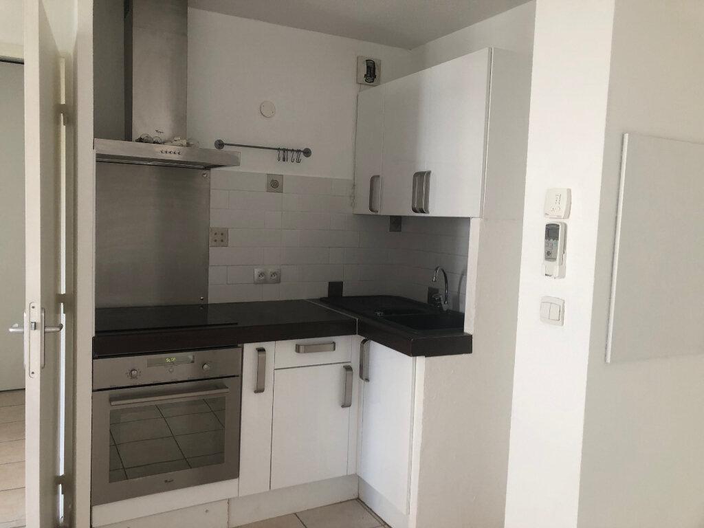 Appartement à louer 2 38.76m2 à Istres vignette-3