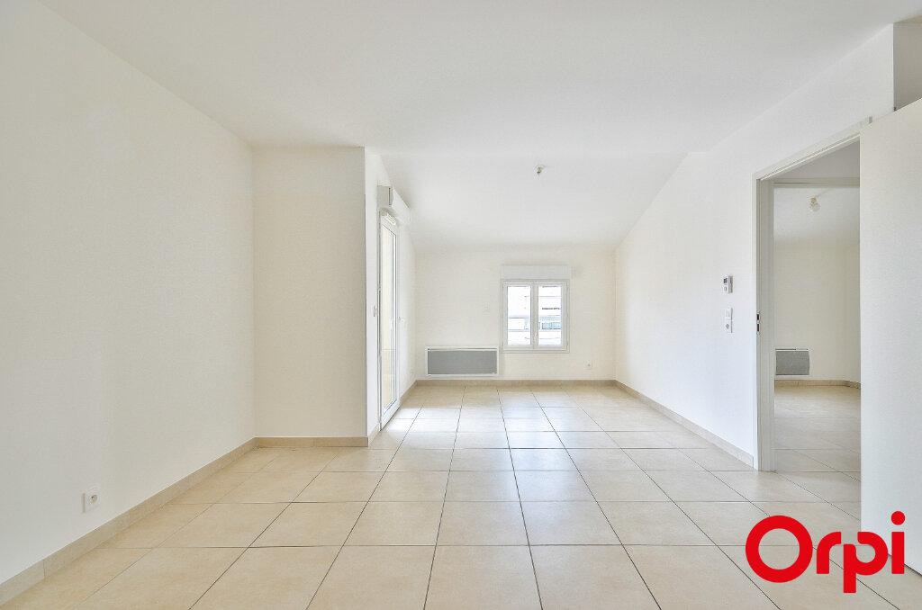 Appartement à louer 3 54.74m2 à Miramas vignette-2