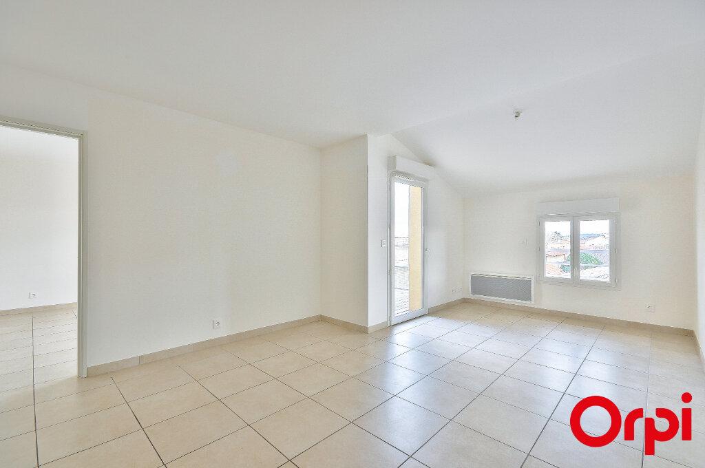 Appartement à louer 3 54.74m2 à Miramas vignette-3