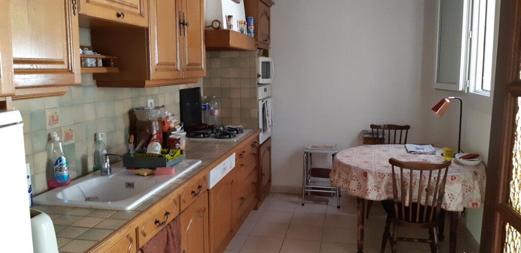 Maison à vendre 5 112m2 à Saint-Martin-de-Crau vignette-2
