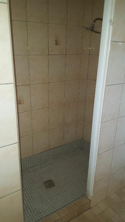 Appartement à louer 2 64.93m2 à Saint-Mitre-les-Remparts vignette-6