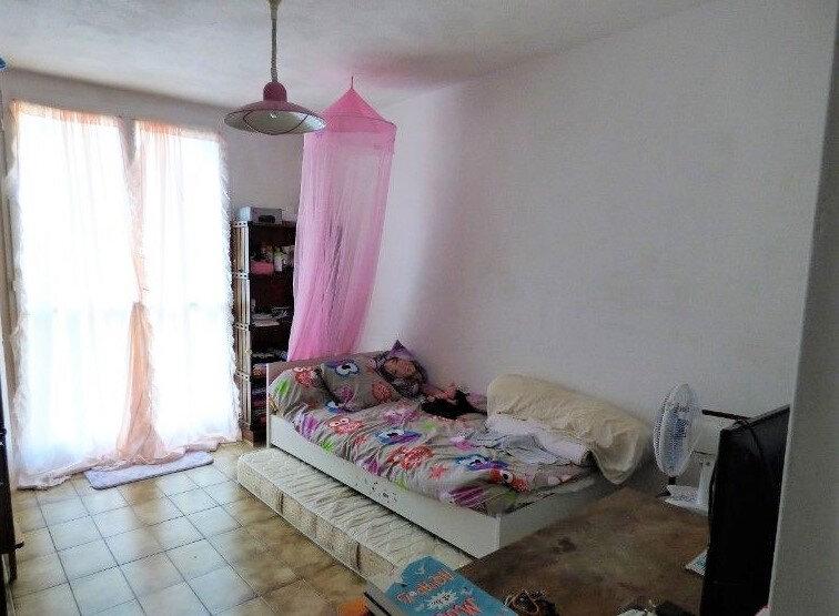 Appartement à vendre 3 70m2 à Salon-de-Provence vignette-2