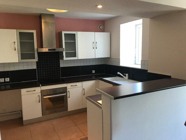 Appartement à louer 3 70.3m2 à Saint-Martin-de-Crau vignette-1