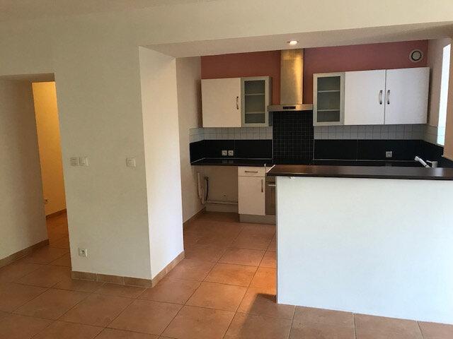 Appartement à louer 3 70.3m2 à Saint-Martin-de-Crau vignette-3