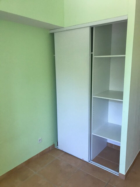 Appartement à louer 3 70.3m2 à Saint-Martin-de-Crau vignette-5