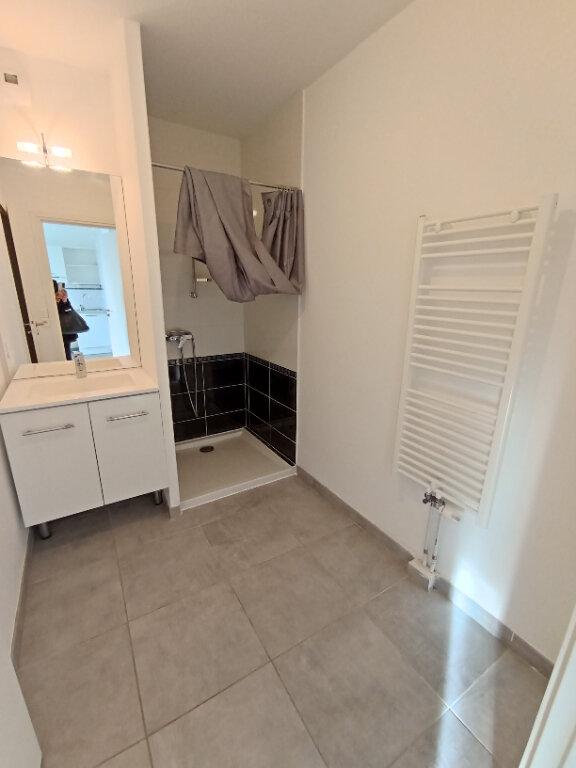 Appartement à louer 2 37.9m2 à Istres vignette-7