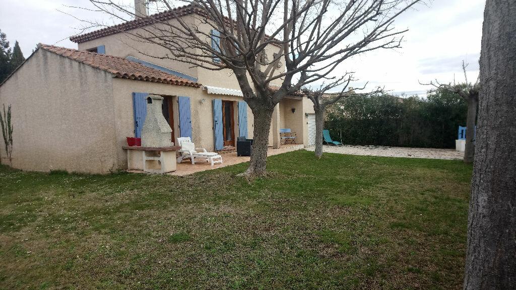 Maison à vendre 5 117m2 à Istres vignette-4
