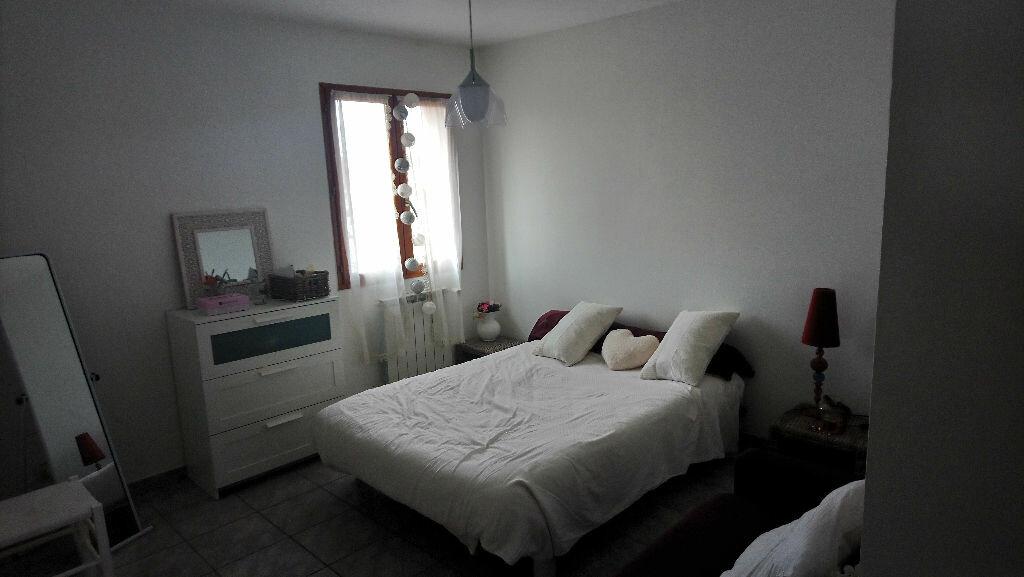 Maison à vendre 5 117m2 à Istres vignette-5