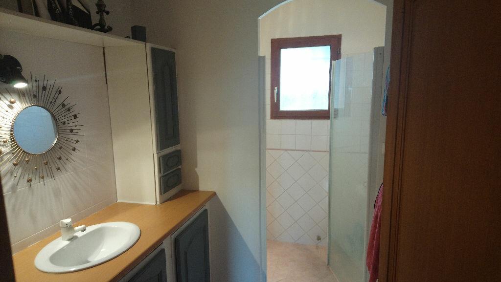 Maison à vendre 5 117m2 à Istres vignette-6