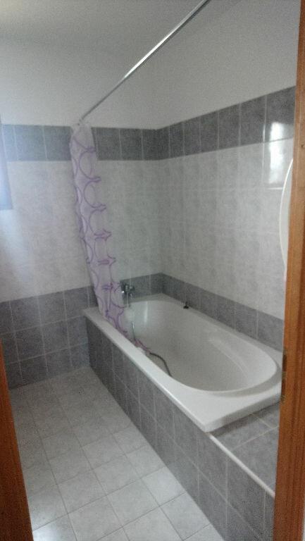Maison à vendre 5 117m2 à Istres vignette-9